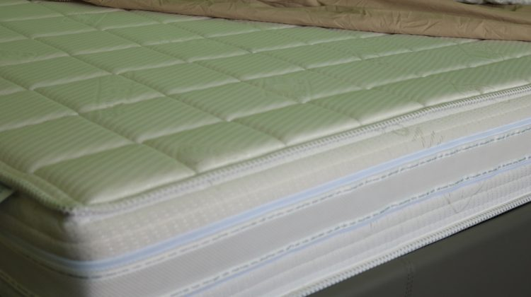 how to clean memory foam mattress